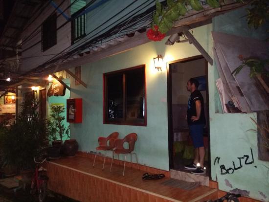 Harmony House: Habitacion doble con salida directa a la calle