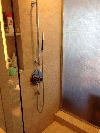 HeeFun Apartment Hotel GZ Poly World Trading Center: bathroom