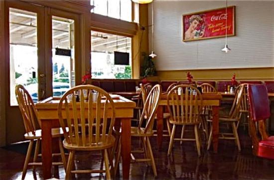 White Mountain Cafe : Interior of cafe