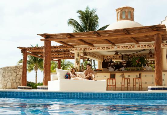 Excellence Riviera Cancun: Pool area