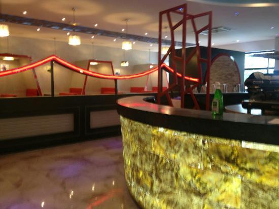 Villebon-sur-Yvette, Frankrike: M.Wok Restaurant avec Buffet à volonté.