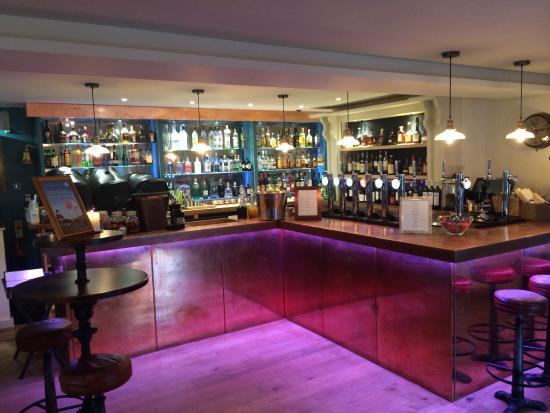 The Thomas Daniell: Bar