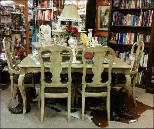 Charleston Antique Mall: We have furniture! - We Have Furniture! - Picture Of Charleston Antique Mall, Las Vegas