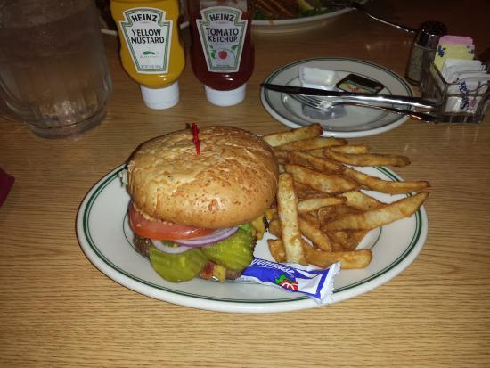 Three Bear Restaurant: Burger