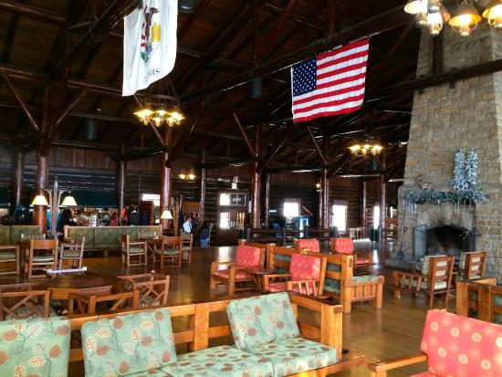 Starved Rock Lodge & Conference Center: Main Lodge Room