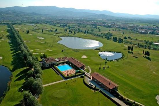 Golf Club Le Pavoniere view