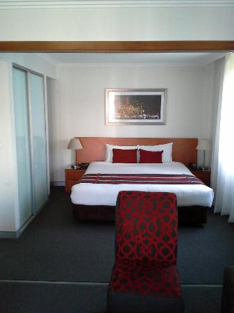 Wyndham Sydney Suites: King bed