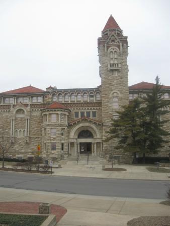 Biodiversity Institute & Natural History Museum: vista do museu
