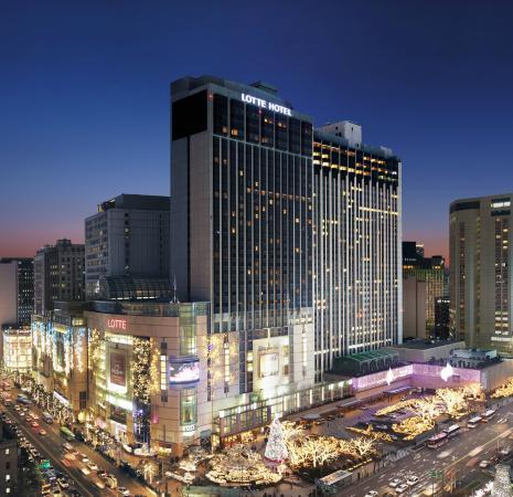 Lotte Hotel Seoul night view