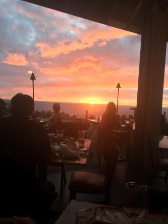 Sam Choy's: Nightly Sunset View