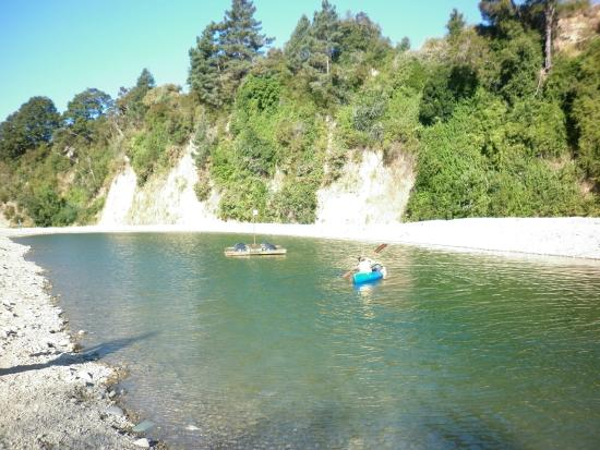 Quinney's Bush Camp: Safe swimming in clear and clean water. No itchy salty water, no sand in places you dont want it