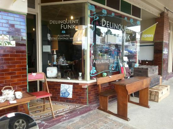 Wingham, Austrália: Something for everyones taste if you like vintage