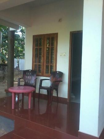 La Maison de Varkala: down stair balcony