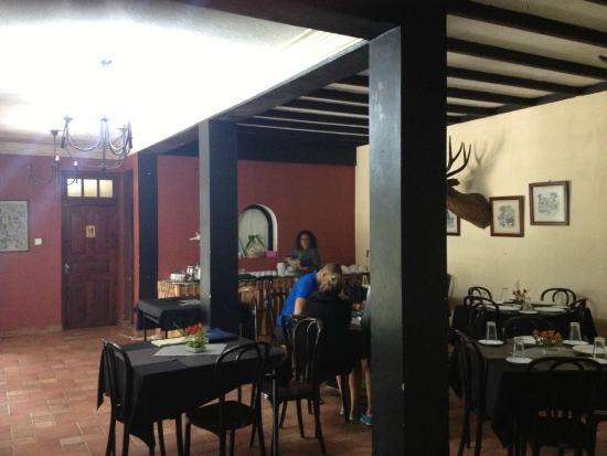 The Ingle Wood: Restaurant