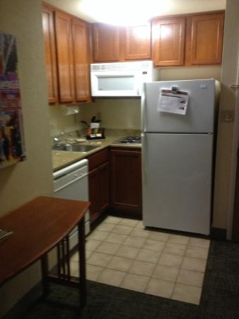 Staybridge Suites New Orleans : Kitchen