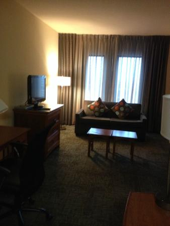 Staybridge Suites New Orleans : Living Room