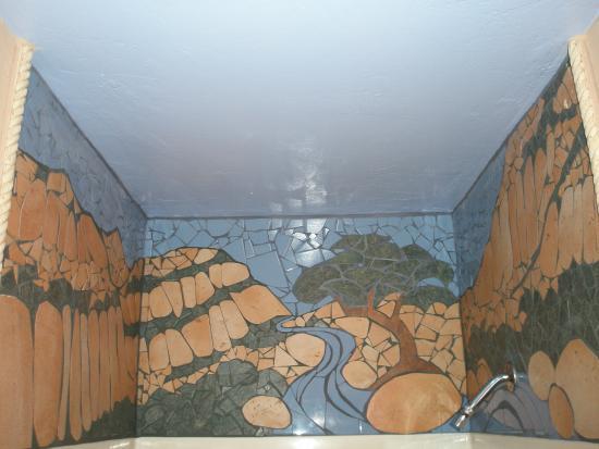 Three Rivers, CA: Eagle Cabin's custom tile mosaic in shower