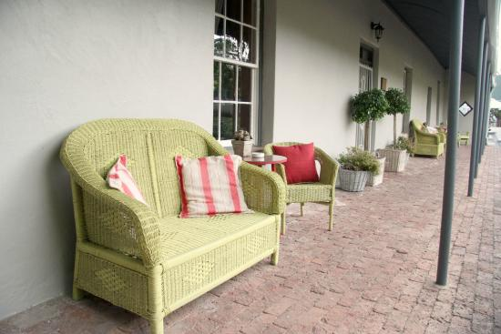 Elianthe's Guesthouse : The patio
