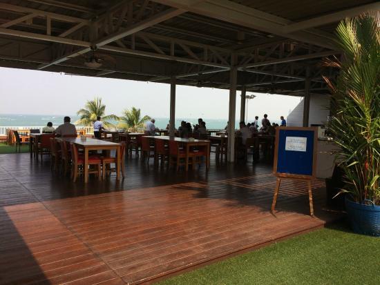 Baywalk Residence Pattaya: Dining area for breakfast
