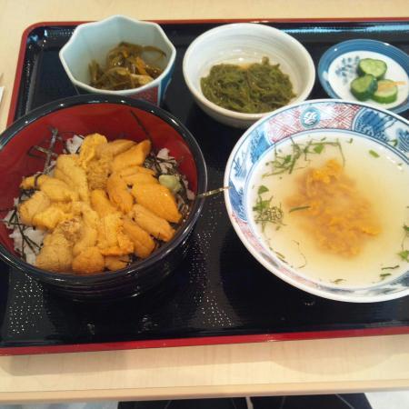 Hirono-cho, Япония: 絶品ウニ丼