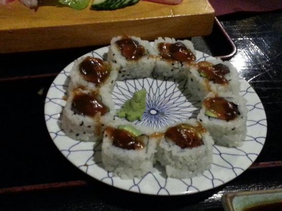 Misaki: California roll de atún picante