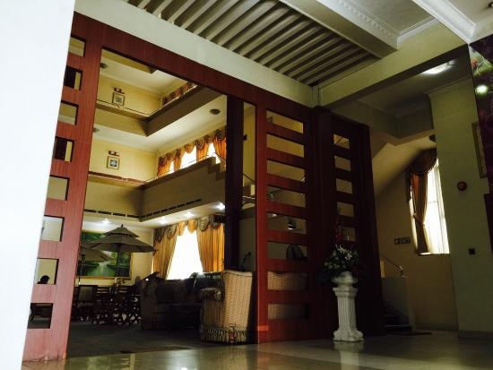 Juliana Hotel: Lobby area