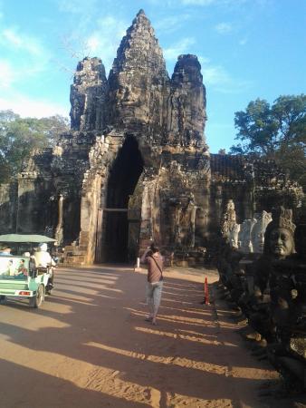 Cambodia Taxi Tour