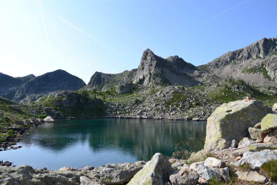 Santuario di Sant'Anna: Lago si Sant'Anna
