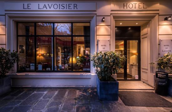 Hotel le Lavoisier: Hotel Front Door