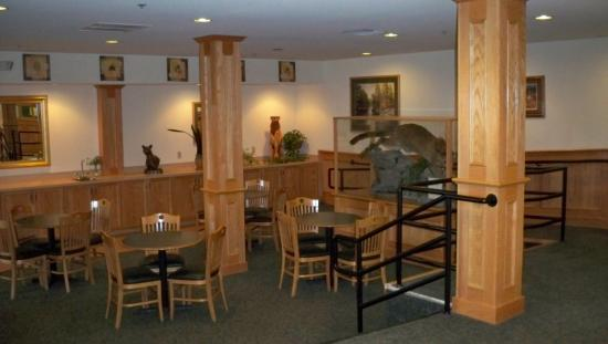 Sugarloaf Mt. Motel: Breakfast lobby