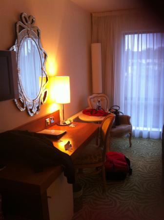 Harlequin Hotel Castlebar: Room
