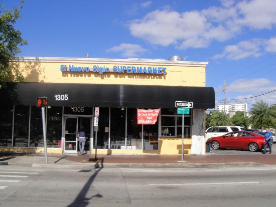 El Nuevo Siglo Supermarket: Little Havana