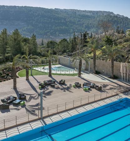 Hotel Yehuda : Pools and sun deck