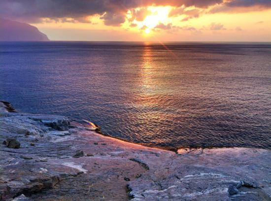Chora, اليونان: Sonnenaufgang am Strand von Chalara