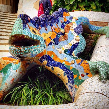 La Salamandra Simbolo Del Parc Guell Picture Of Park