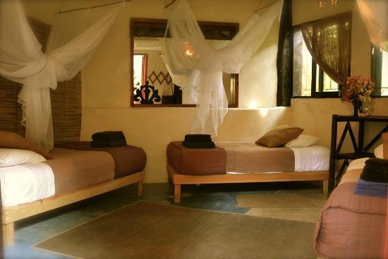 Utopia Guesthouse & Yoga Studio: El Sol room