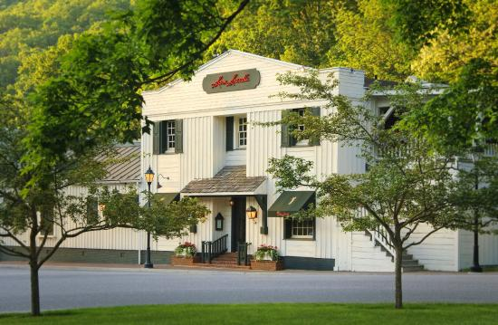 Sam Snead's Tavern in Hot Springs, Virginia