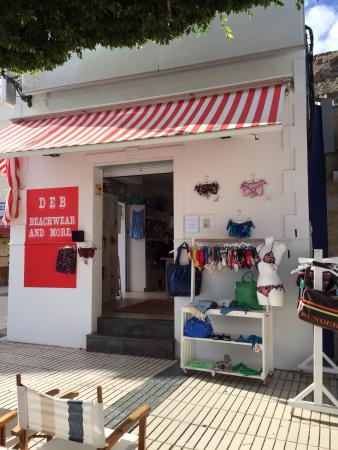 Playa de Mogan, Spain: Deb Beachwear & More