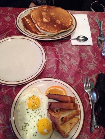 Welsh's Restaurant: Huge! Huge pancakes.