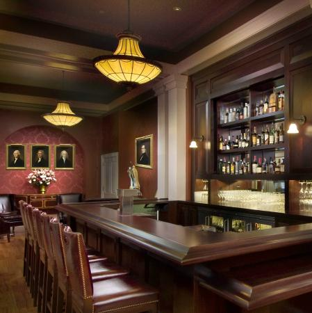The Omni Homestead Resort: The Lobby Bar