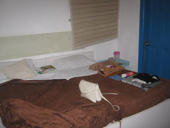 Hotel Kabli : La chambre