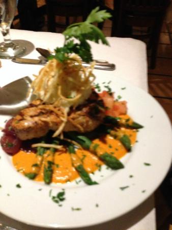 Taste Cafe & Bistro: Ahi Tuna with Cajun Spice (special)