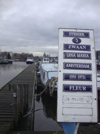 Hotelboat Zwaan: Píer
