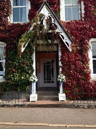Lochinvar Hotel: Pretty entrance