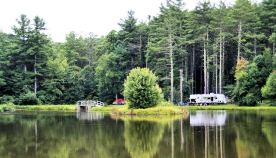 Montebello Camping and Fishing Resort: Lake Camping