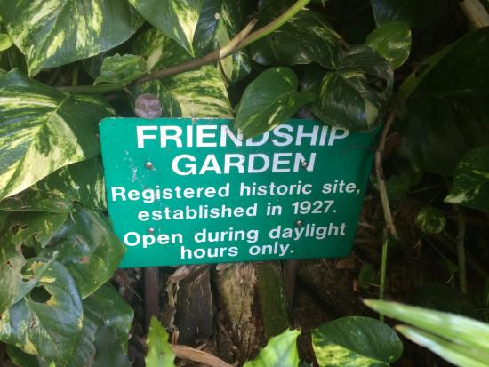 Kaneohe, HI: Garden sign