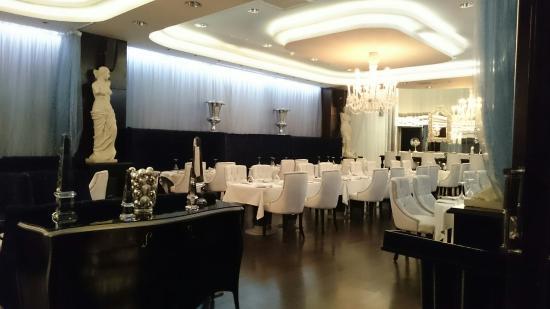 The Gabriel Hotel: Elegant restaurant 👌💎