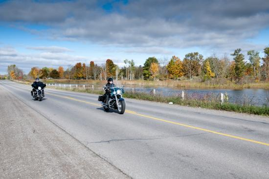 Napanee, Kanada: Enjoy The Shoreline Ride in L&A County