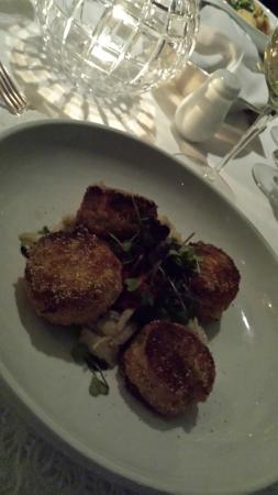Shearn's Seafood and Prime Steaks: crab cakes