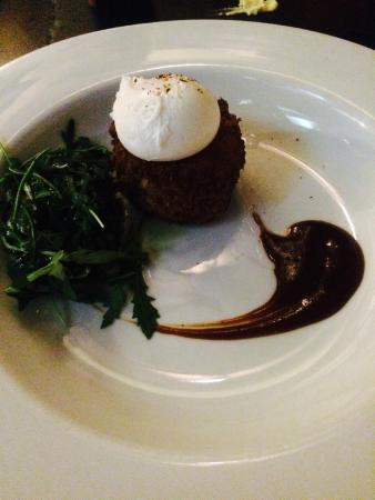 The Old Glen House: Corned Beef Hash, poached egg & brown sauce